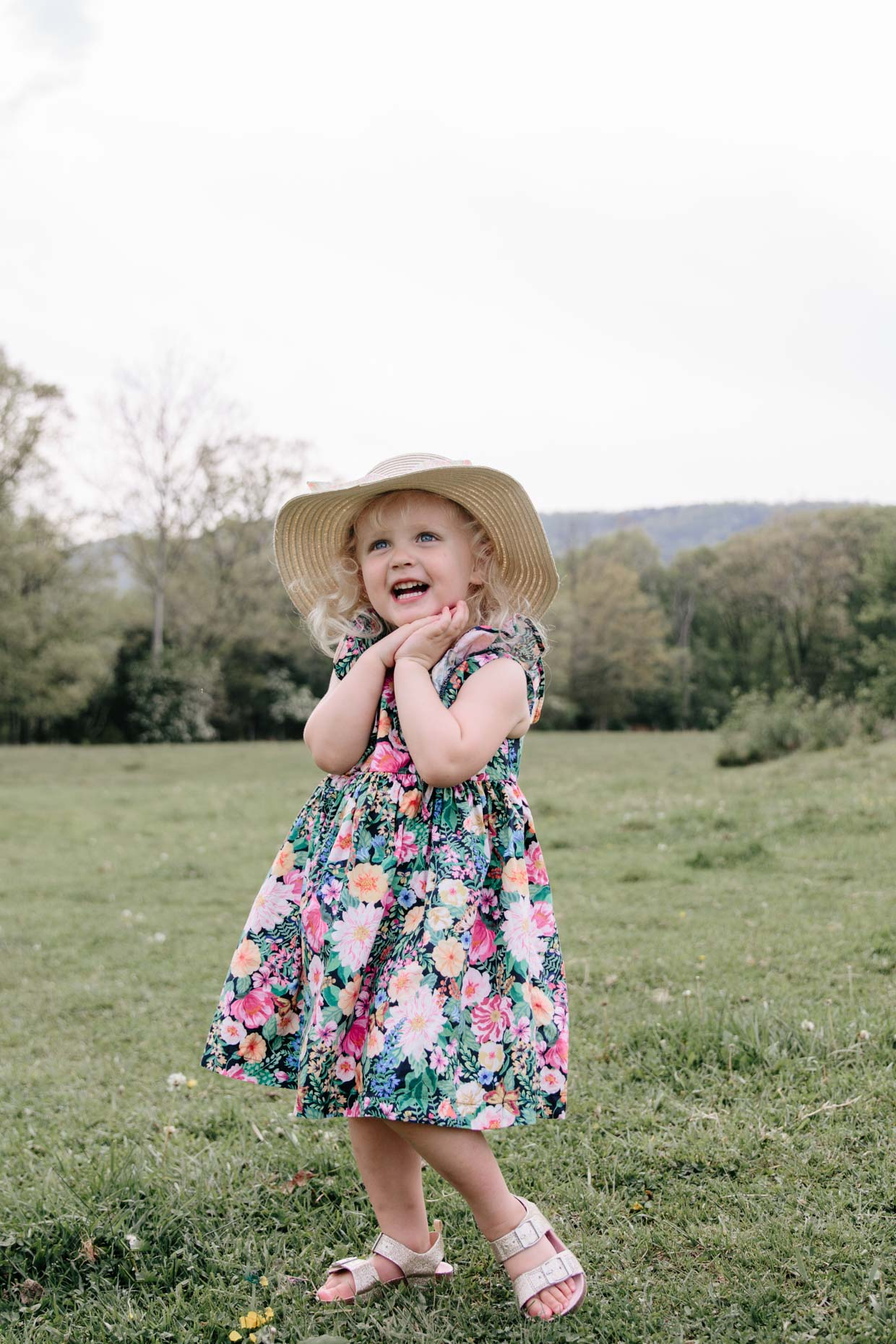 Meagan Brandon of Meagan's Moda shares outfit ideas for Mother's Day photo shoot